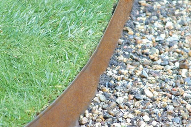 inexpensive garden edging ideas