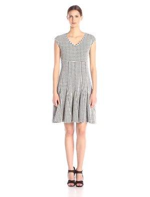 Taylor Dresses Women's Empire Multi Seamed Printed Dress