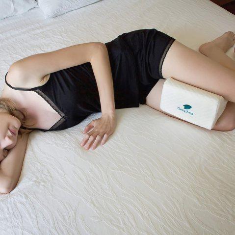 Cushy Form Sciatic Nerve Pain Relief Knee Pillow review