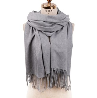 These are some of the cutest scarf styles!