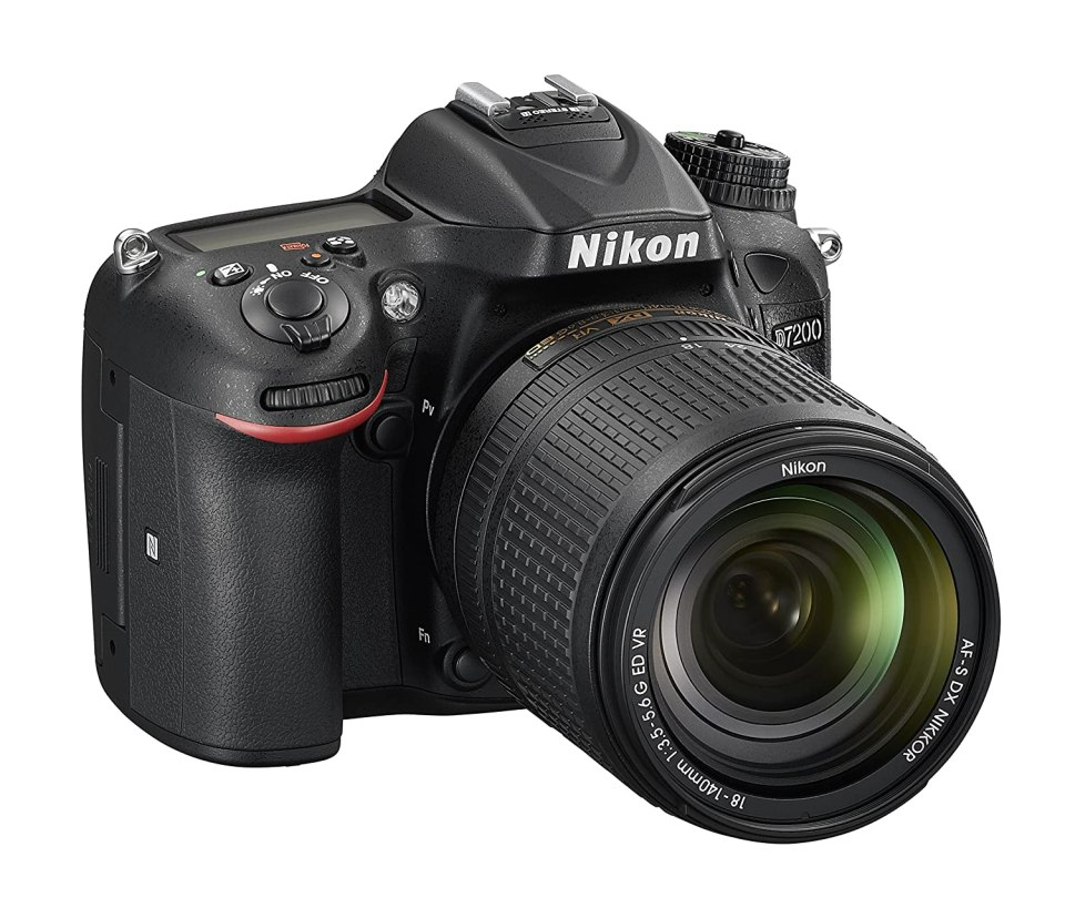 Nikon Cámara Reflex D7200 formato-DX-format con lente AF-S Dx Nikkor 18-140mm f/3.5-5.6 G ED VR, Negro