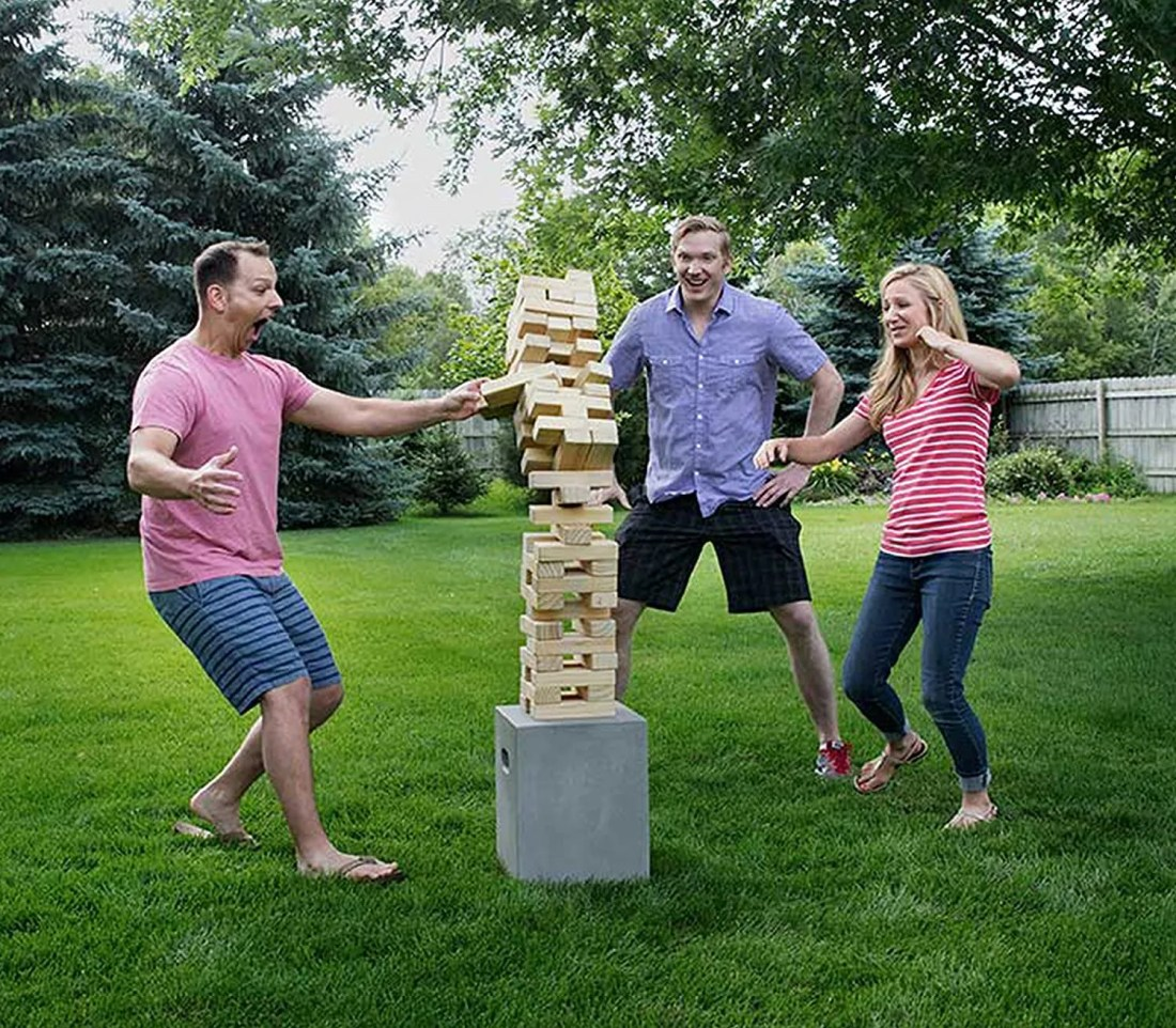 10 Graduation Party Games Perfect For Outdoor Grad Parties