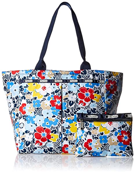 I love that the pattern on this tote will completely hide most stains!