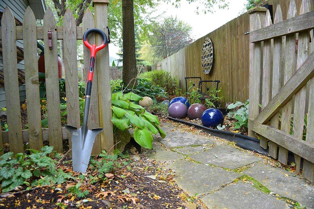 Radius Garden Shovel