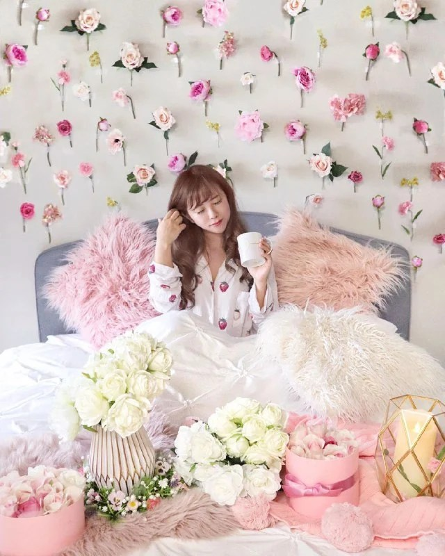 How To Make A Diy Floral Wall For Your Hdb Bedroom Decor Girlstyle Singapore