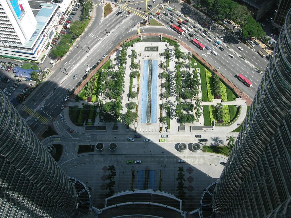 Clásicos de la arquitectura: Torres Petronas,© Flickr User: einalem
