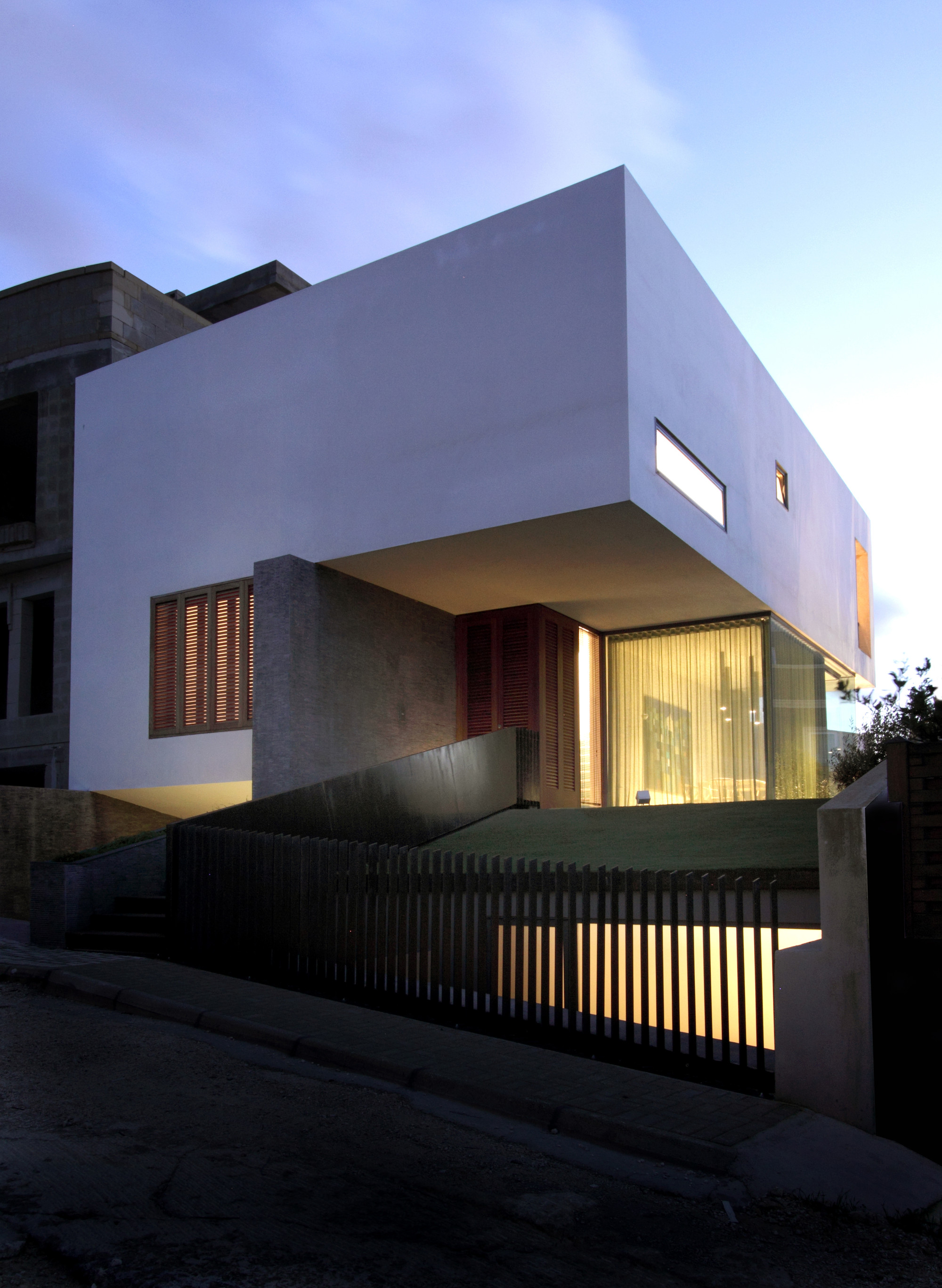 Hanging Home Chris Briffa Architects ArchDaily