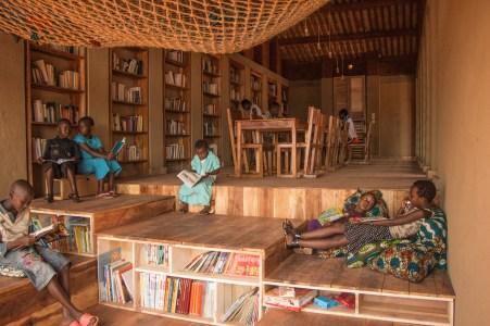 bibliotecas infantiles -Muyinga