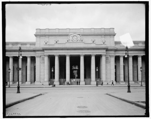 32nd Street entrance. Image © Library of Congress, Prints and Photographs Division, Detroit Publishing Company Collection