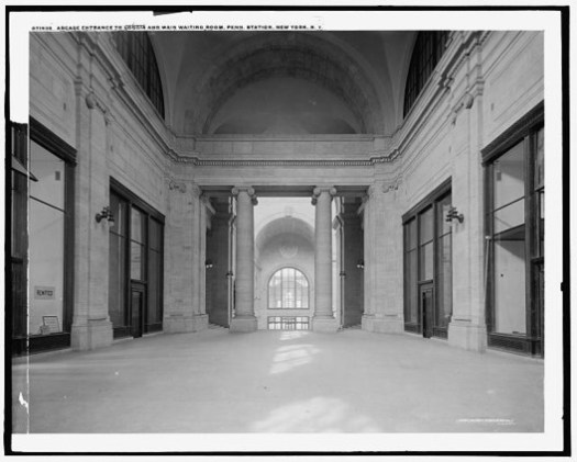 Entrance to loggia and main waiting room. Image © Library of Congress, Prints and Photographs Division, Detroit Publishing Company Collection