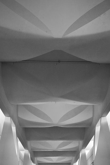 Concrete ceiling of the main corridor. Image © Jeffrey van der Wees