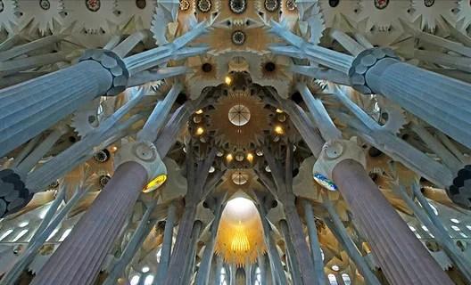 La Sagrada Familia interior. Image © Renate Dodell