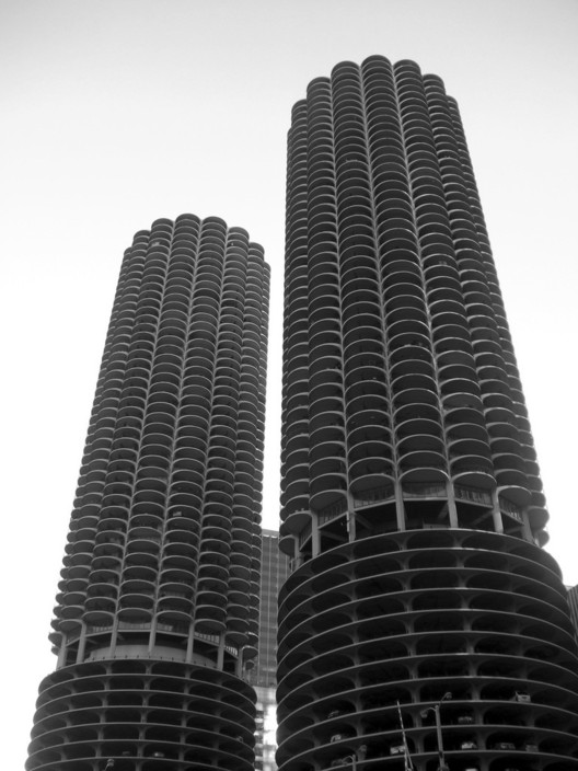 "© ""Marina City Complex"" by Flickr User TRAFFIK [US] is licensed under CC BY 2.0"