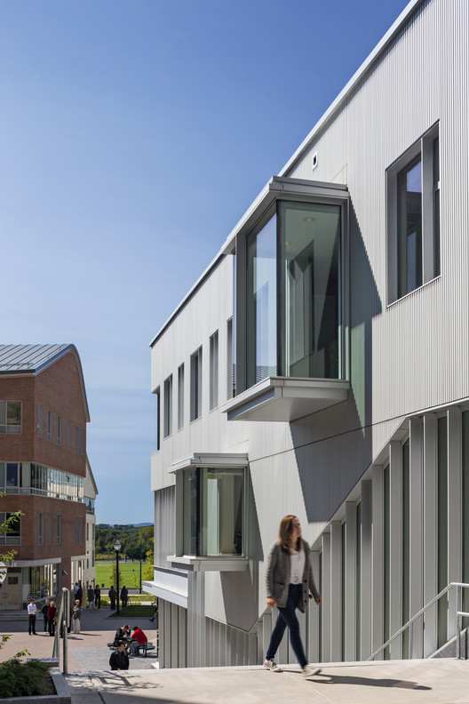 Specialized Housing: Commonwealth Honors College, University of Massachusetts; Amherst, MA / William Rawn Associates, Architects, Inc.. Image Courtesy of AIA