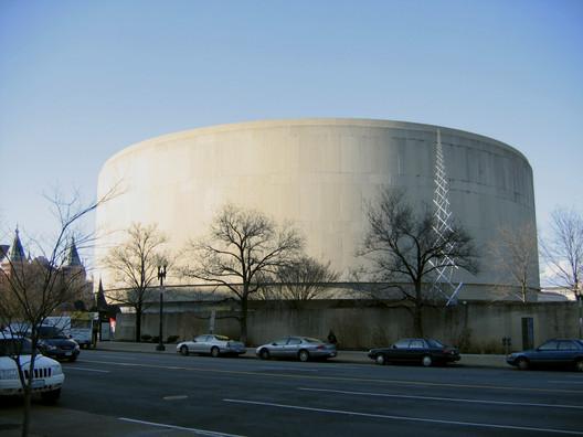 Hirshhorn_Museum Spotlight: Gordon Bunshaft Architecture