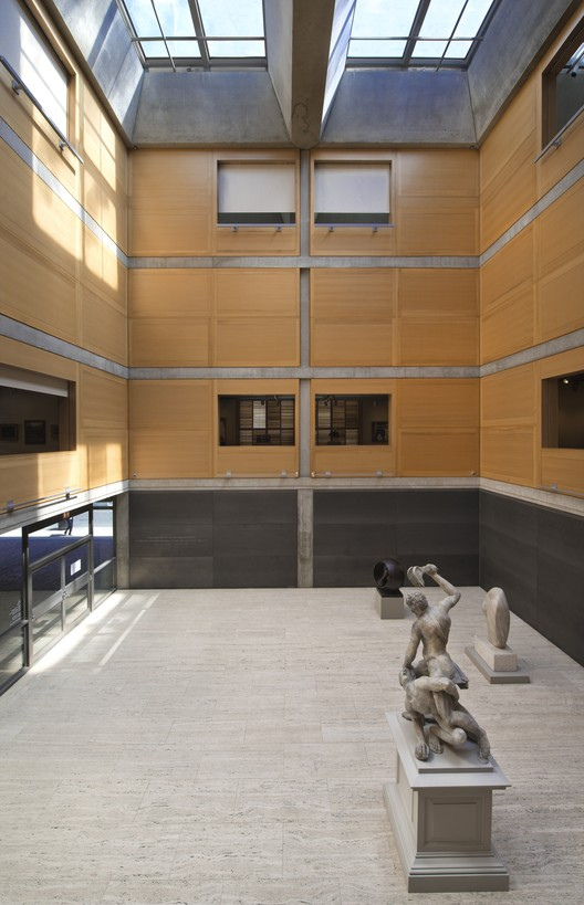 Yale Center for British Art, Entrance Court following reinstallation. Image © Richard Caspole