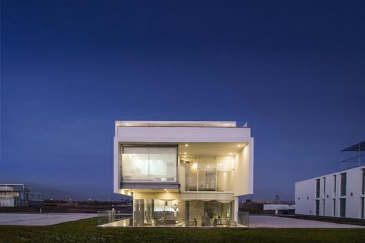 PORTADA_Jolla_-_Maruja115 3 Families - 3 Cubes / Chetecortes Architecture
