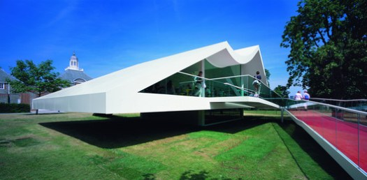 Serpentine Pavilion 2003. Image © Sylvain Deleu