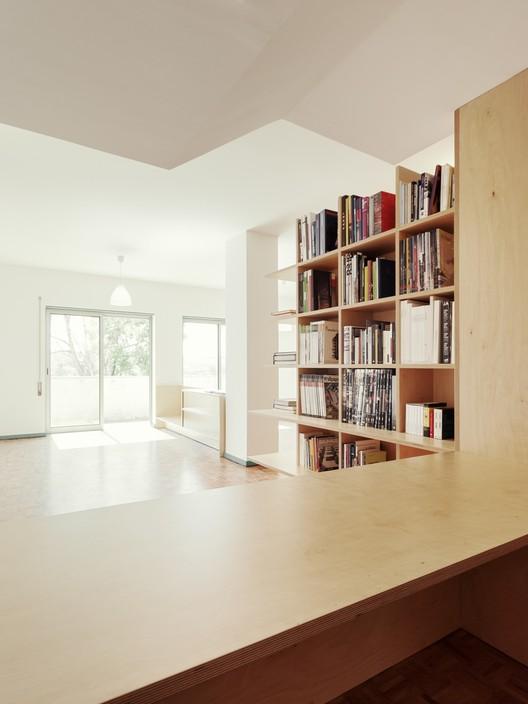 BdR_033_Foto_07%C2%A9domalomenos Apartment on Aveiro Street / Branco-delRio Arquitectos Architecture