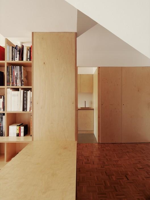 BdR_033_Foto_08%C2%A9domalomenos Apartment on Aveiro Street / Branco-delRio Arquitectos Architecture