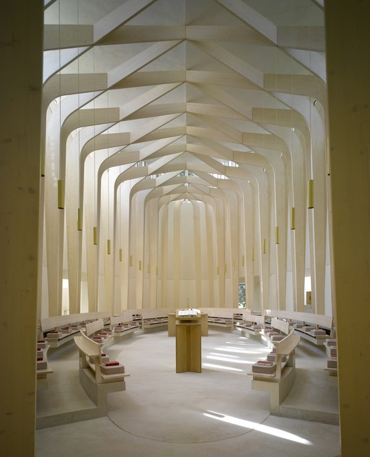 Bishop Edward King Chapel / Niall McLaughlin Architects. Image © Nick Kane