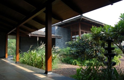 Tara House, Kashid, Maharashtra, India (2005). Image Courtesy of Studio Mumbai