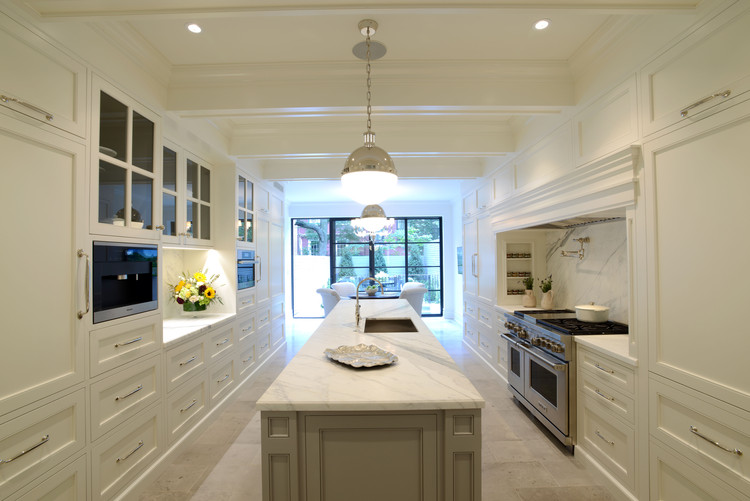 """""""Chelsea Townhouse"""" designed by William Suk, AIA, Suk Design Group LLP, New York, NY. First Place award for Traditional style, 2013-2014 Kitchen Design Contest. Image Courtesy of Sub-Zero and Wolf"""