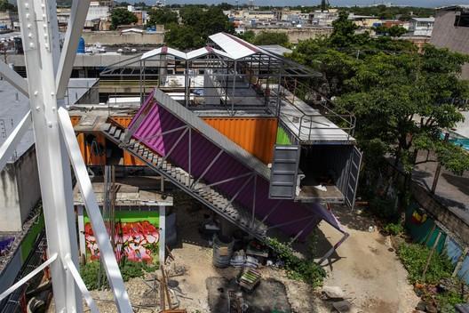 © José Bastidas / Pico Collective. Courtesy of Curry Stone Design Prize. ImageCultural production unit ZPG. Reused Components. Guaraca, Carabobo, Under Construction