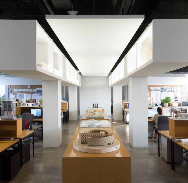 URBANUS Architecture & Design, Inc.. Image © Marc Goodwin