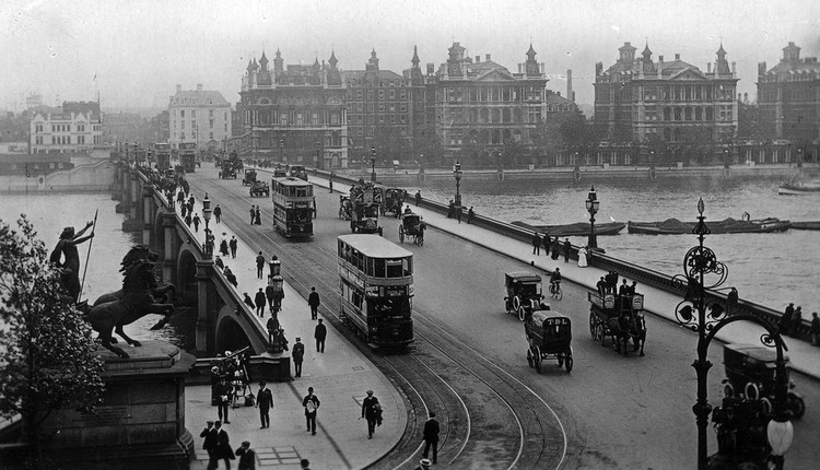 Westminster Bridge, 1903. Image © Flickr user nedgusnod2. Licensed under CC BY-NC 2.0