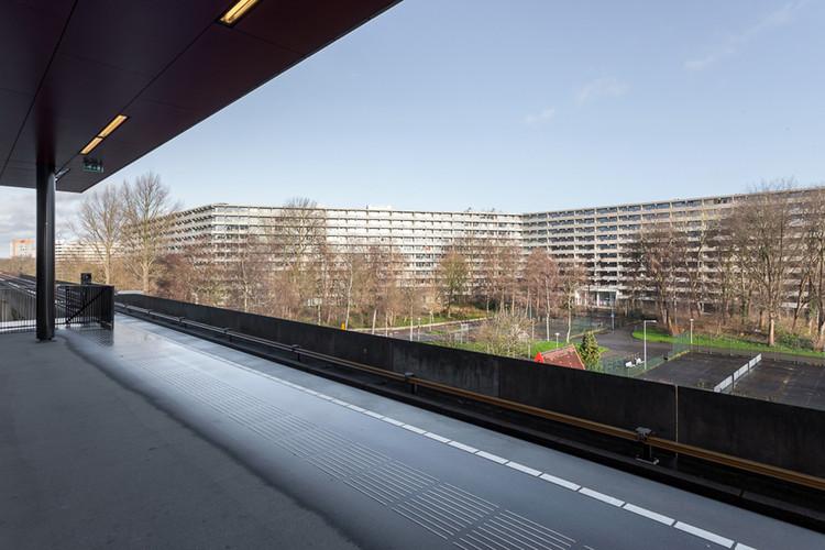 deFlat Kleiburg; Amsterdam, The Netherlands / NL Architects + XVW architectuur. Image © Stijn Spoelstra