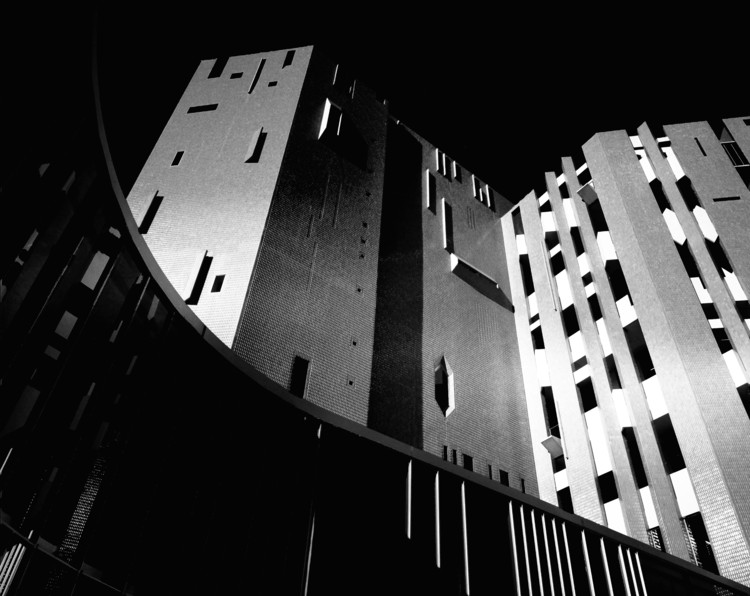 Denver Art Museum North Building constructed by Italian architect Gio Ponti. 1971. Image © Wayne Thom