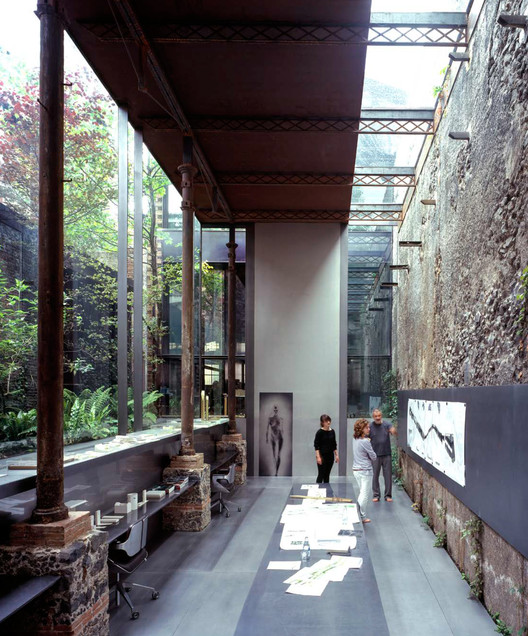 Barberí Laboratory (2008). Image © Hisao Suzuki. Image Cortesía de Pritzker Prize