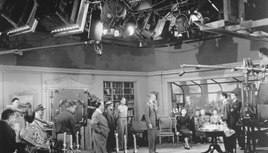 Scenery of the movie Rope. Directed by: Alfred Hitchcok. Distributor: Universal Studios Home Entertainment, 1948. 1 DVD (80 min). Source: https: //lisathatcher.files.wordpress. Com / 2012/09 / rope-set.jpg.
