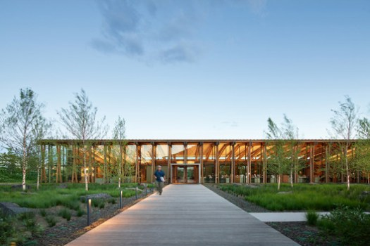 WASHINGTON FRUIT & PRODUCE CO. HEADQUARTERS; Yakima, Washington / Graham Baba Architects. Image Courtesy of The American Architecture Awards