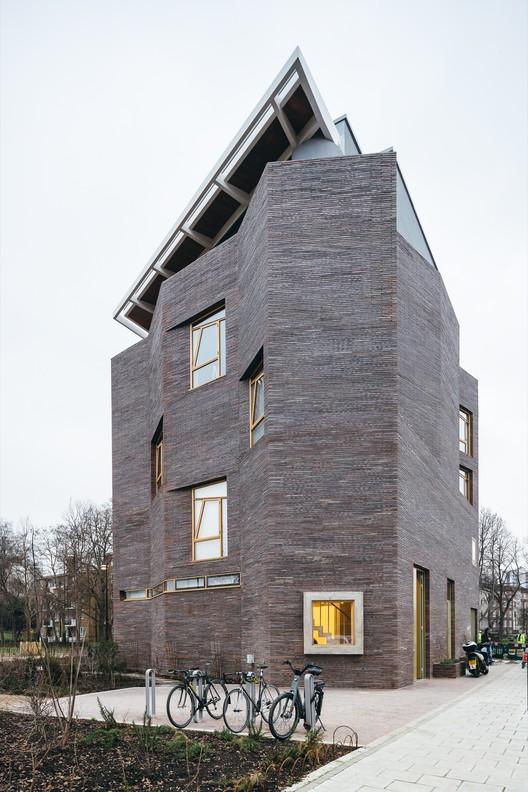 © Tim Crocker. ImageTyers Street, Cabinet Gallery / Trevor Horne Architects