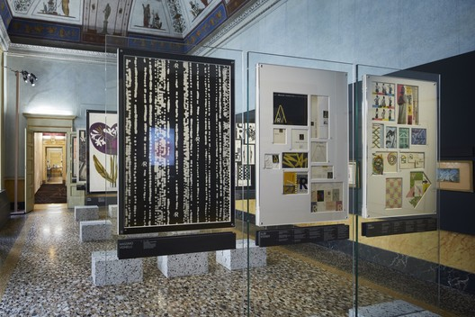 lR100-Rinascente: Stories of Innovation. Image © Agostino Osio, Courtesy of OMA