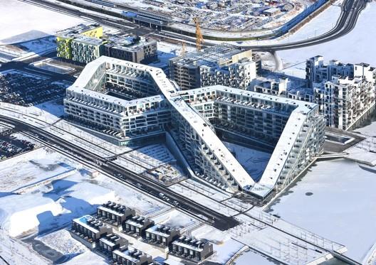 8 House, Copenhagen, Denmark / BIG (Bjarke Ingels Group). Image © Dragor Lufto