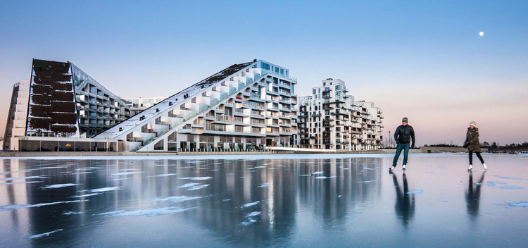 8 House, Copenhagen, Denmark / BIG (Bjarke Ingels Group). Image © Bjarne Tulinius