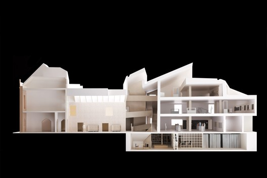 Model showing the approved renovation and addition. Image Courtesy of Carmody Groarke