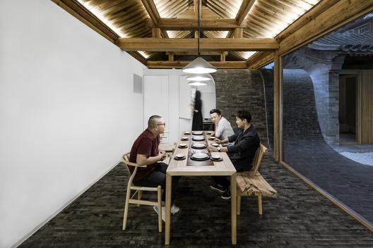 Dining area. Image © Wang Ning, Jin Weiqi