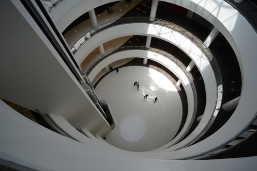 ARG Shopping Mall; Tehran, Iran / arsh4d studio. Image © Ali Daghigh, Parham Taghiof