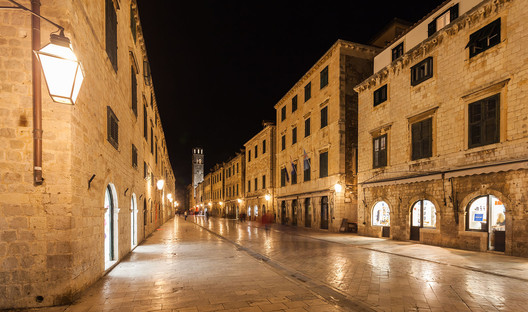 Stradun, Dubrovnik: King's Landing. Image © <a href='https://commons.wikimedia.org/wiki/File:Casco_viejo_de_Dubrovnik,_Croacia,_2014-04-13,_DD_12.JPG'>Wikimedia user Diego Delso</a> licensed under <a href='http://https://creativecommons.org/licenses/by-sa/4.0/'>CC BY-SA 4.0</a>