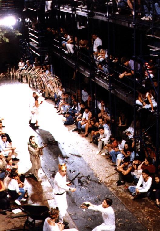 © Teatro Oficina Archive