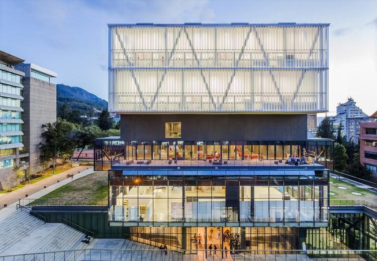 Facultad de Artes de la Pontificia Universidad Javeriana. Image © Rodrigo Dávila Fotografía