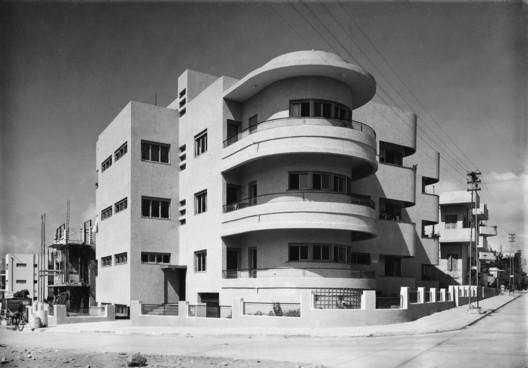 65 Hovevei Zion Street, Tel AvivJaffa, 1935, Architect: Pinchas Hütt. Image © Itzhak Kalter