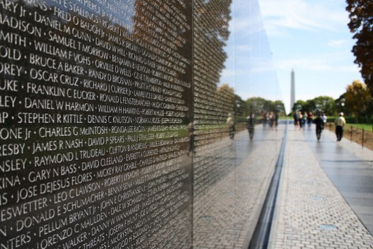 Vietnam Veterans Memorial. Image © <a href='https://www.flickr.com/photos/derekskey/5249593792'>Flickr user derekskey</a> licensed under <a href='https://creativecommons.org/licenses/by/2.0/'>CC BY 2.0</a>