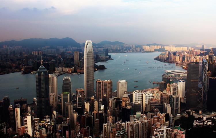 Ciudades Extremas: Los asentamientos humanos más densos, fríos, lejanos y visitados de la tierra, Hong Kong (Public Domain)