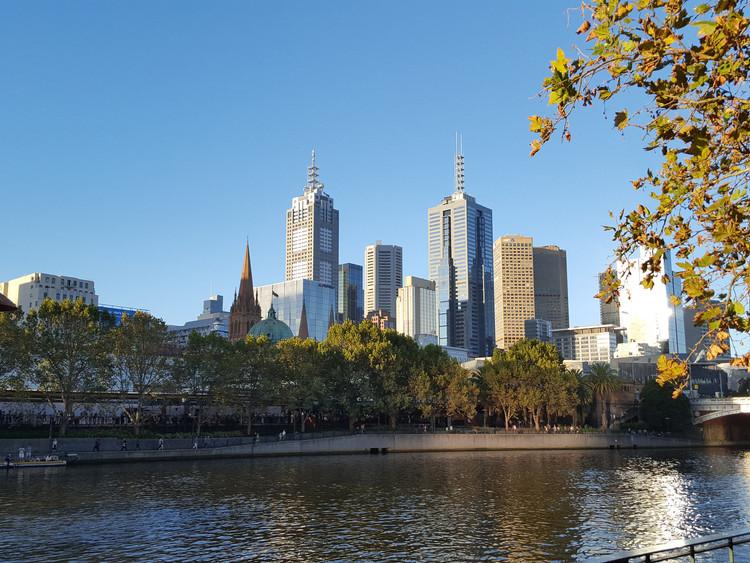 Melbourne <a href='https://www.flickr.com/photos/73227899@N05/33365918516/in/photolist-SQr48b-7uD9Bn-nLg4to-5T5C7Q-srhot-5FLndr-855zb-ad4Y7-7H67vd-eSGwaJ-eRhv5b-4StC2r-aPbnMi-rkpx9-ePTftG-64dTzZ-zSkrj-2SJdmk-7sZeCV-oFvoQE-4ncaxw-dtych-dm7714-4QvJ6V-7Jx82Y-VUyJY1-VLzBsk-5EdBS8-73dNTd-ess1TG-ftqSFm-bvnxg1-VQQiEh-ercM1X-7oDkF1-J6AXk-fpsUxT-iNr9uj-7W6HUJ-9VMGLg-fomP9o-bF8bP5-8pXjrW-4X4v3F-arRd9P-iMc4b4-6tajpW-7Enks7-cGZvfj-7NJAHN'> Pier Alessio Rizzardi </a> licensed under <a href='https://creativecommons.org/licenses/by-nc-nd/2.0/'> CC BY-NC-ND 2.0</a>