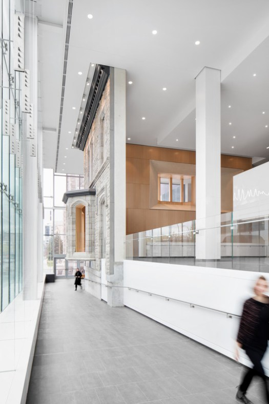 Health & Education Winner: Centre Hospitalier de l'Université de Montréal; Montréal, Canada / CannonDesign + NEUF architect(e)s . Image Courtesy of World Architecture Festival